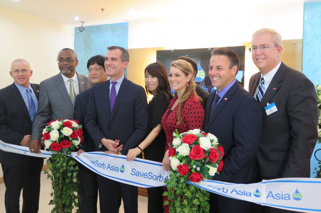 LAEDC CEO Bill Allen joins LA Mayor Eric Garcetti, LA City councilmembers and the leadership of LA-based cleantech company SaveSorb for the opening of their new China office in Shenzhen.  Nov 18, 2014