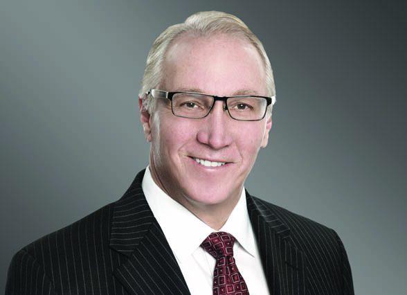 Immediate Past Chair Eric Rowen thanks LAEDC members