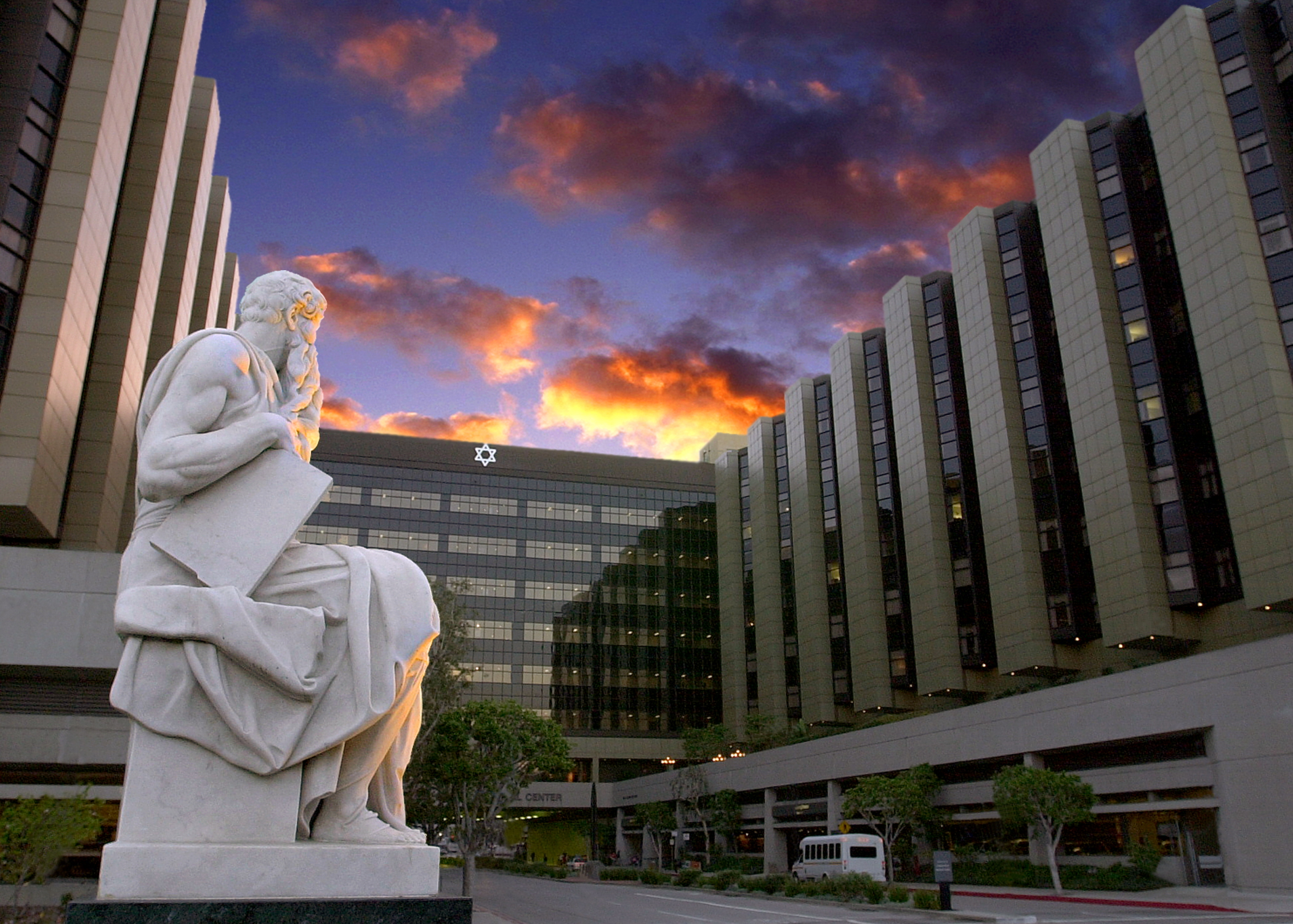 2017 Eddy Awards Honoree: Cedars-Sinai Serving the LA Community
