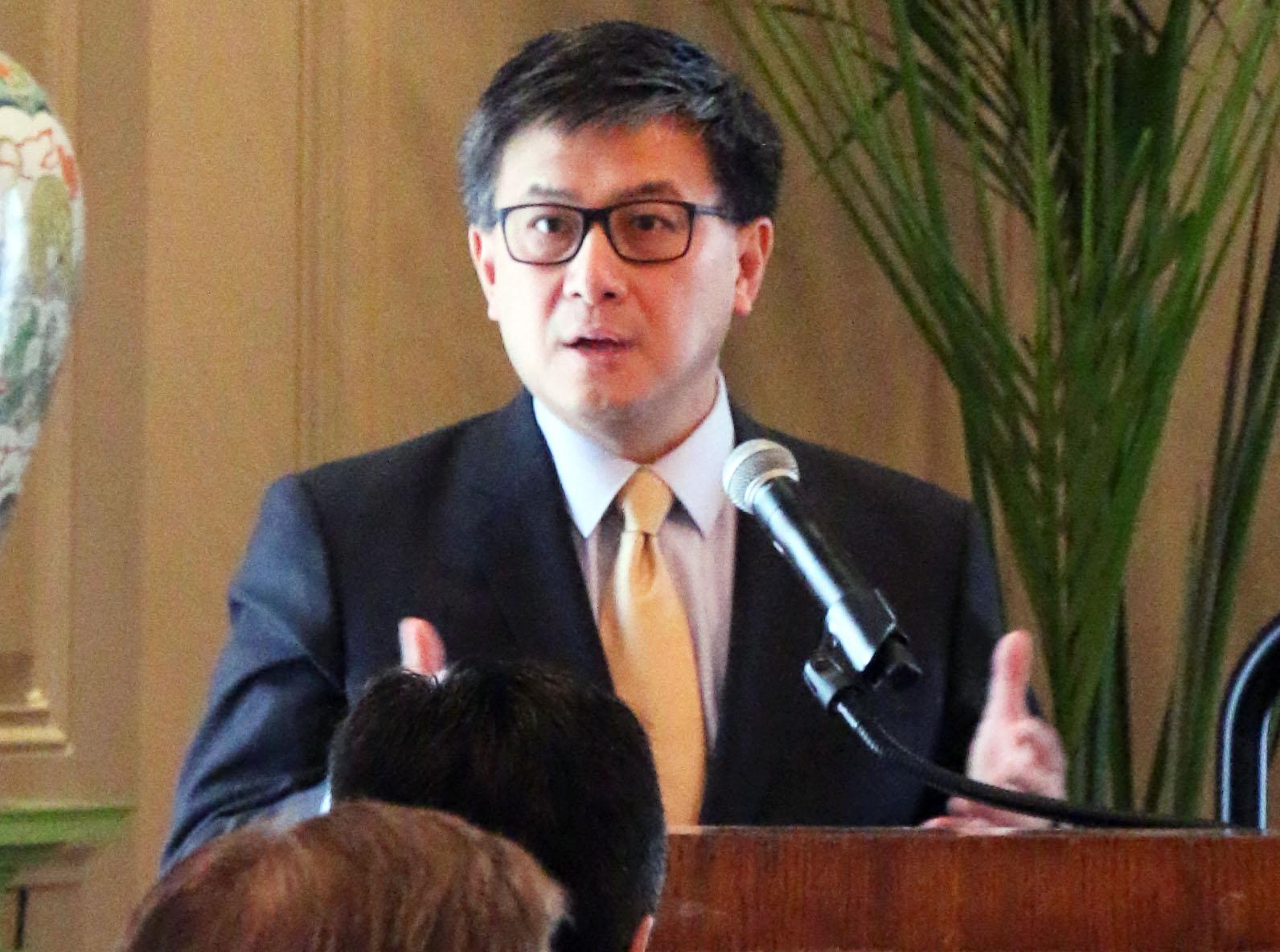Treasurer Chiang Presents New CBIG Website at LAEDC Board Meeting
